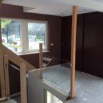 eerste verdieping trapgat met glas en kastdeuren